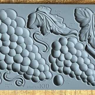 Iron Orchid Designs mal Grapes